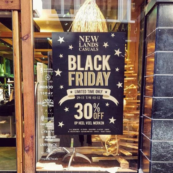 Black Friday poster voor Newlands Casuals